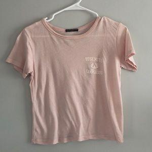 Cropped light pink T-shirt